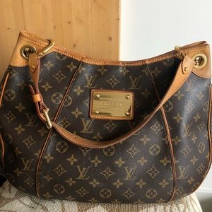 LOUIS VUITTON Monogram Galleria PM Shoulder Bag